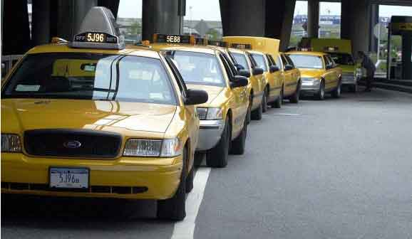 Yellow Taxi queue at taxi stand