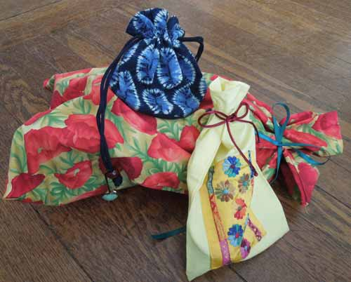 Mike's cloth bags replace single-use wrapping paper