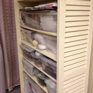 How to creatively repurpose two window shutters