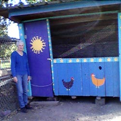 The chicken coop that Tamara built with nothing but wood scraps (Image: Tamara Maren)